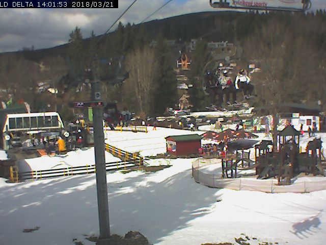 Webcam Ski Resort Harrachov Liftstation - Giant Mountains